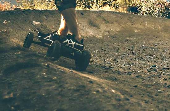 10 Best Popular Motorized Skateboards in 2020